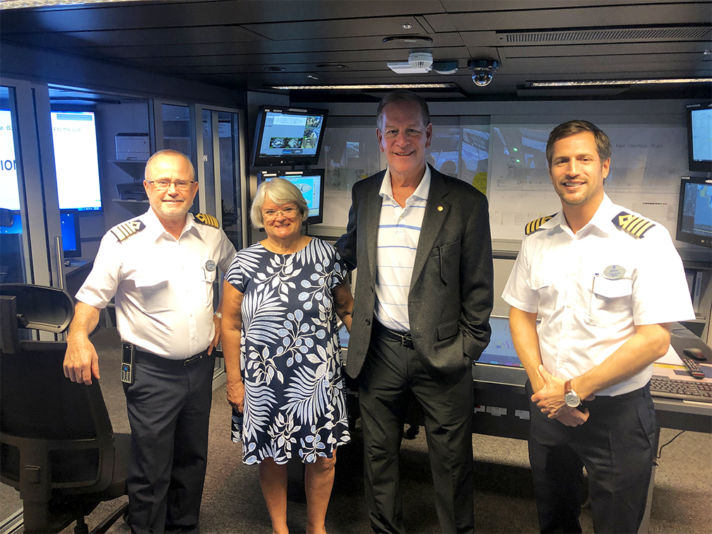 900lbs' Advisor Visits with Royal Caribbean's Symphony of the Seas Bridge Team
